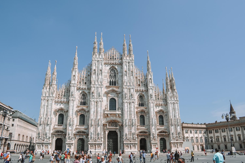 Vue de face du Duomo di Milano (Dôme de Milan)