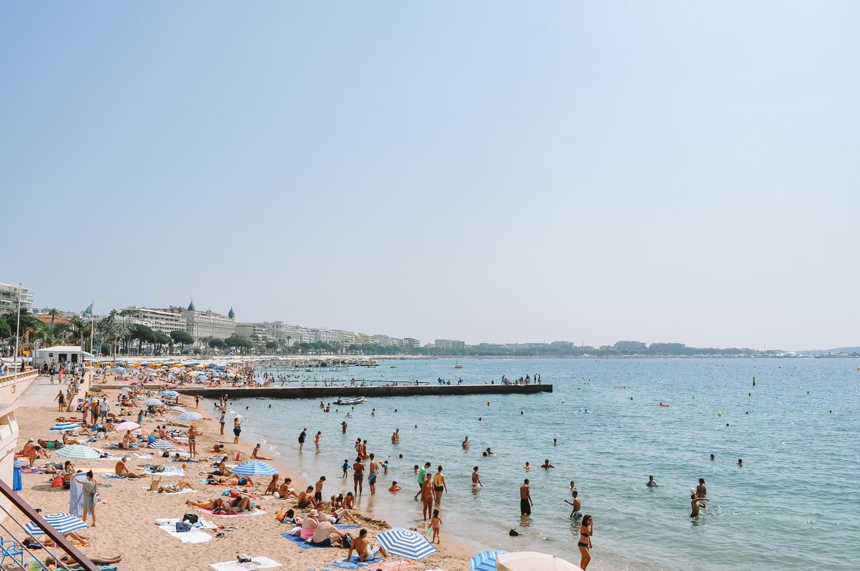 Cannes et sa célèbre Croisette qui fait tant rêver