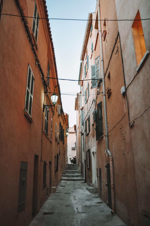 Balade dans les petites ruelles de Saint-Tropez