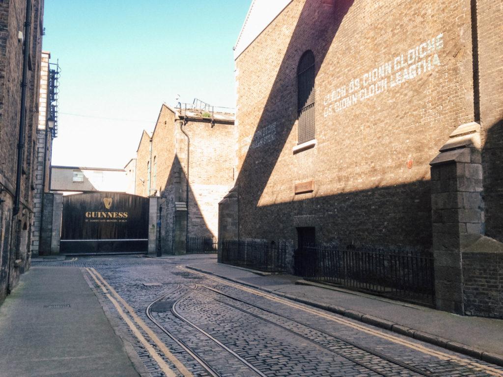 Les anciennes voies ferrées de la Guinness Storehouse