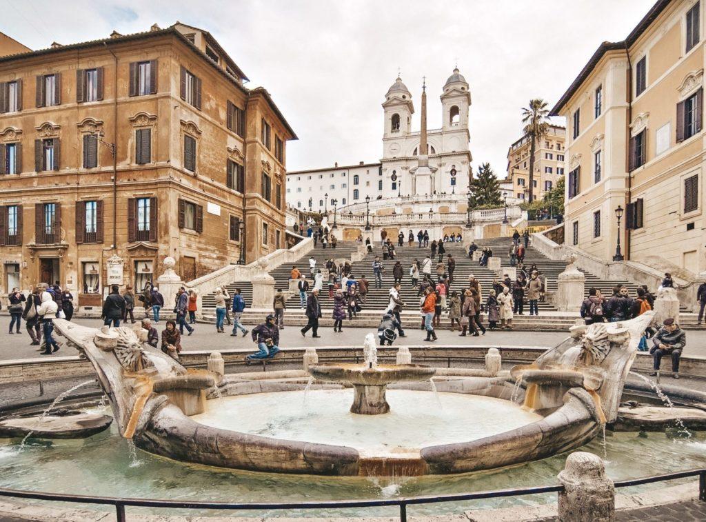 Cette place est certainement celle que nous avons préféré à Rome