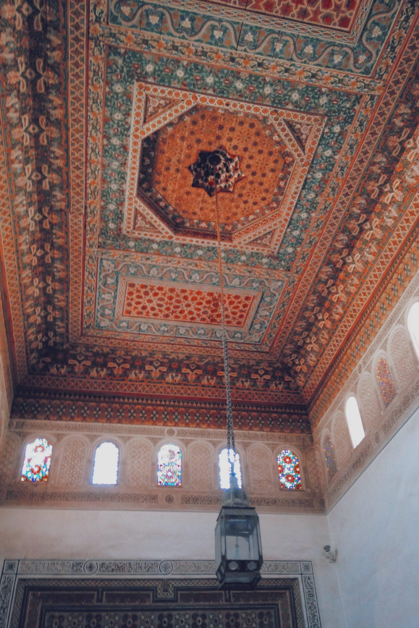 Intérieur du Palais avec l'art marocain