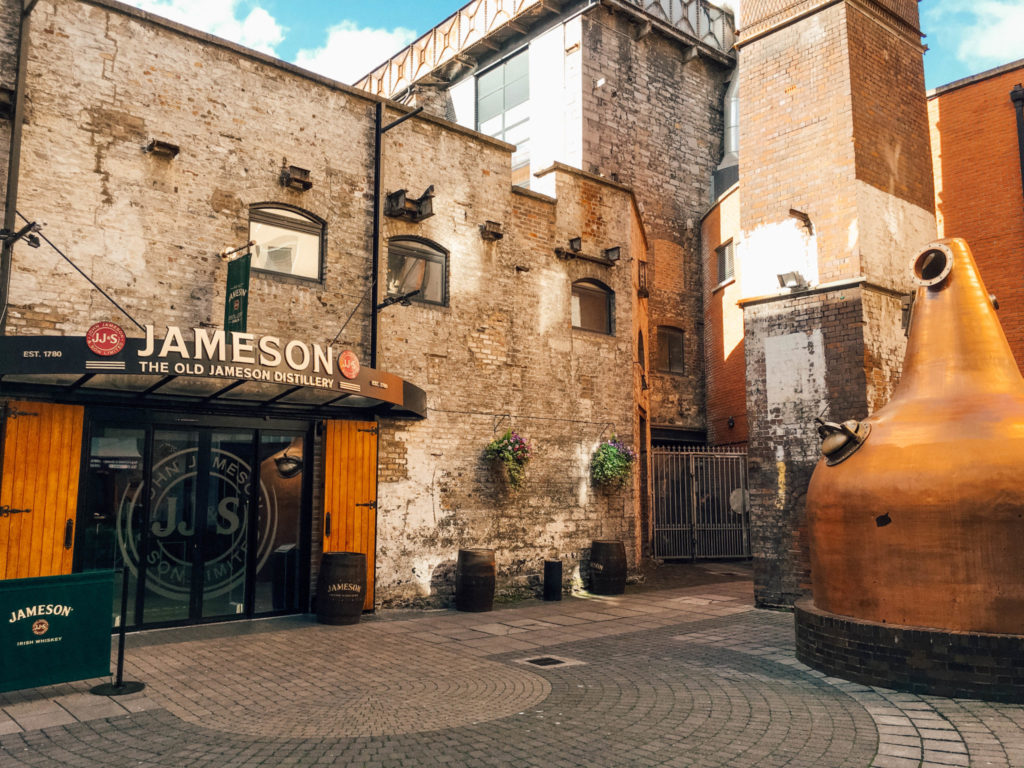 La devanture de la Old Jameson Distillery