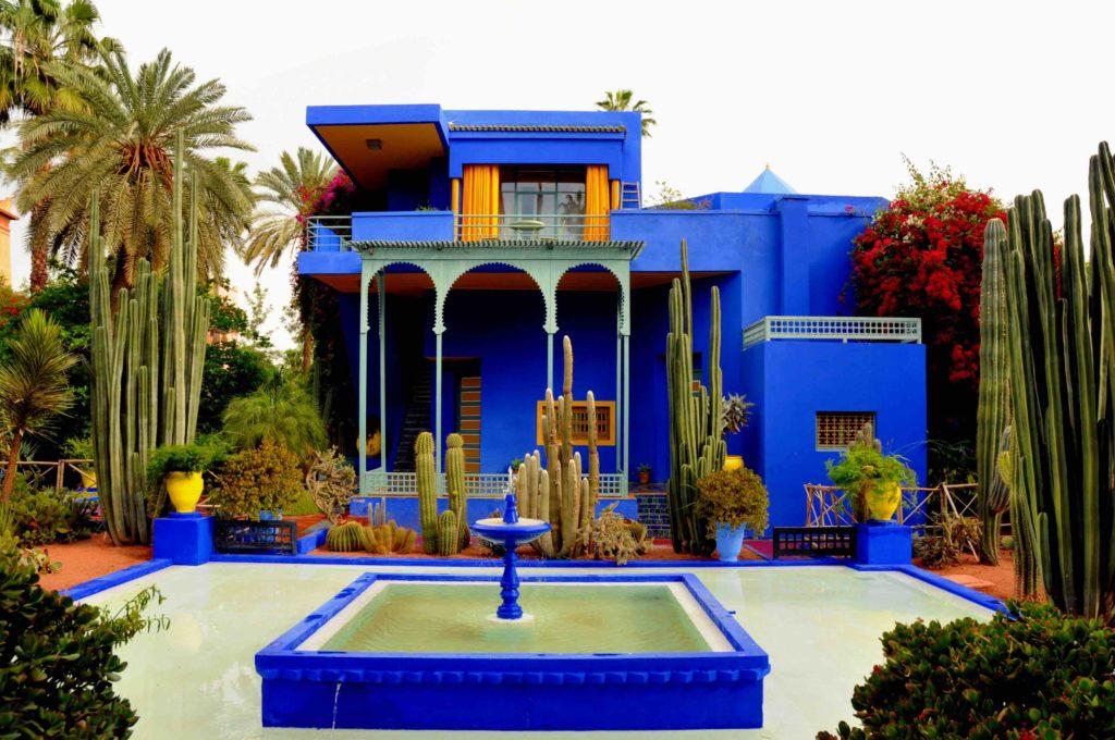 Le cadre absolument magnifique du jardin Majorelle… et ce bleu