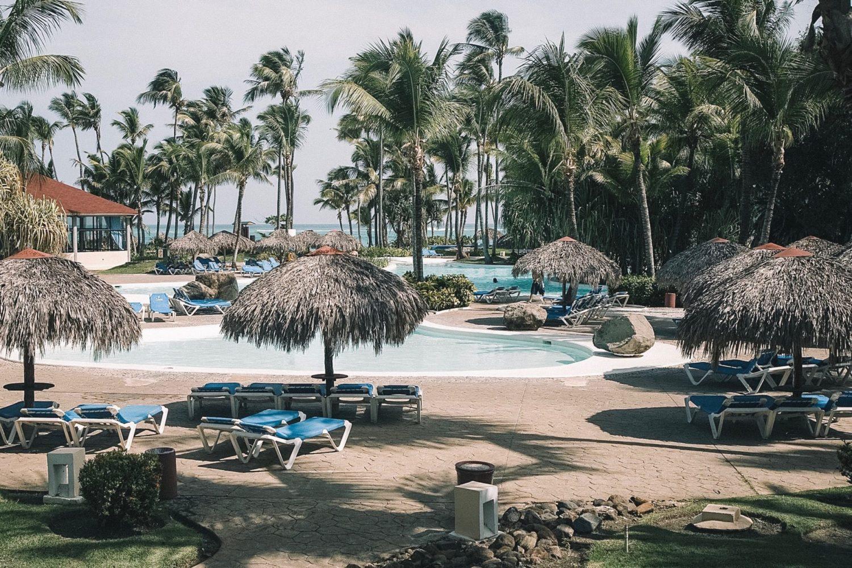 Piscine extérieure principale du Bavaro Princess à Punta Cana