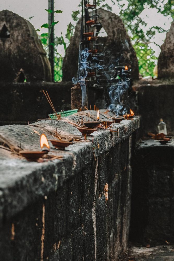 Offrandes à Bouddha et lieu de prière