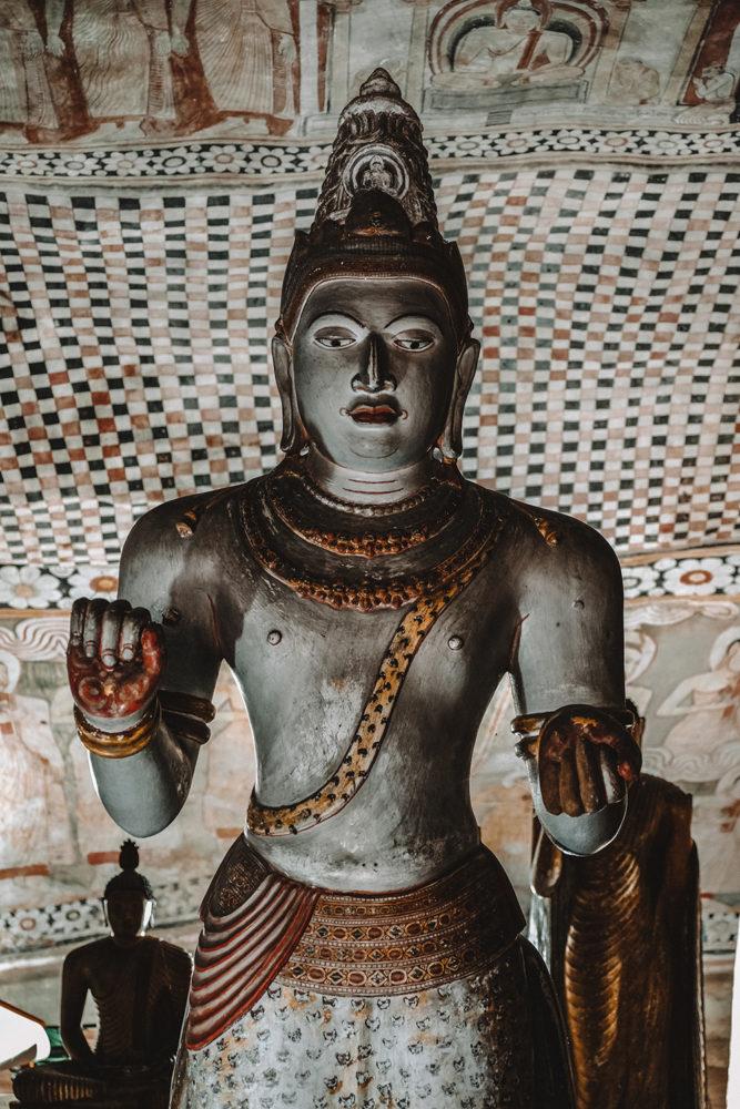 Magnifiques sculptures et peintures du temple