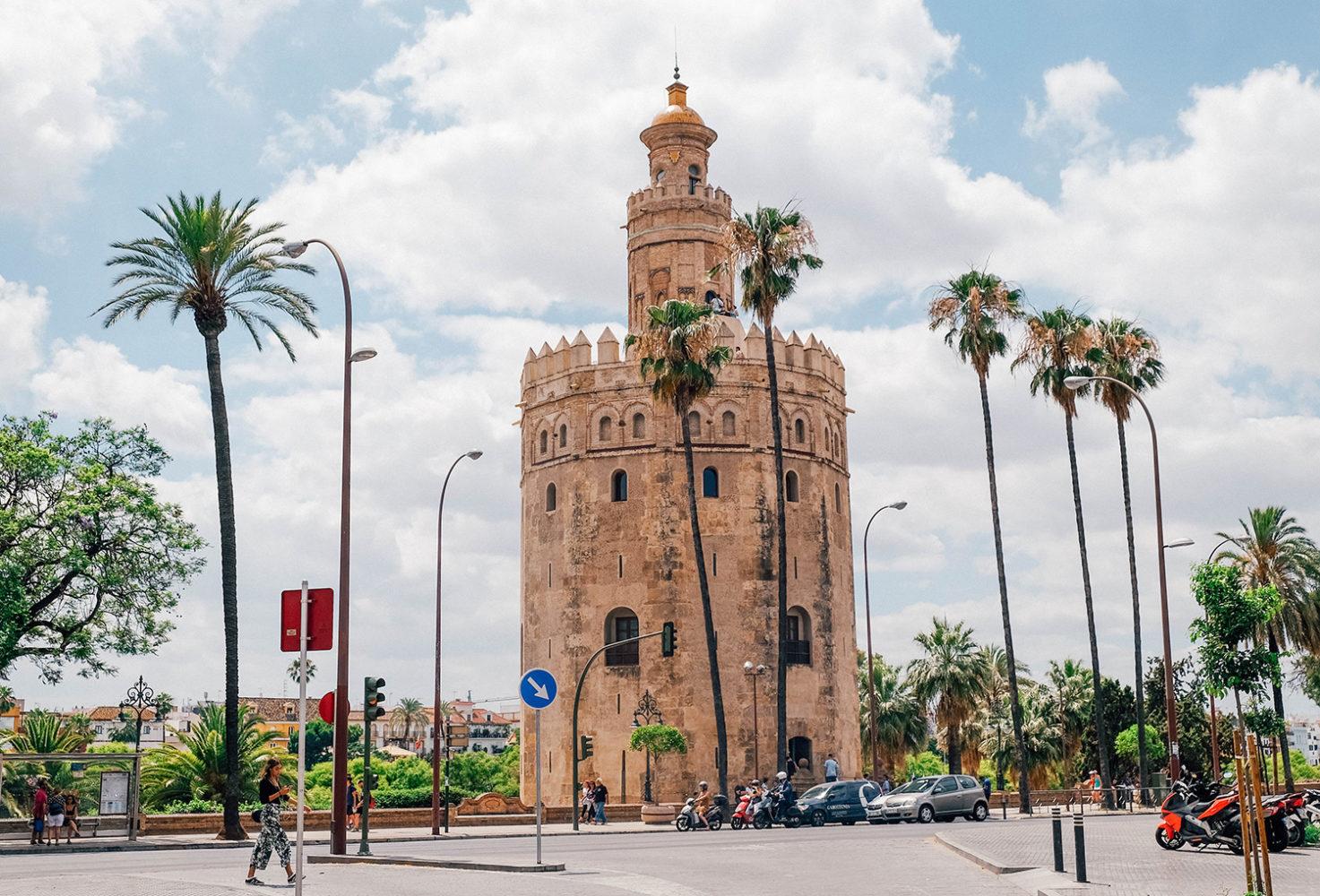Vue sur la Torre del Oro, ancienne tour de guet