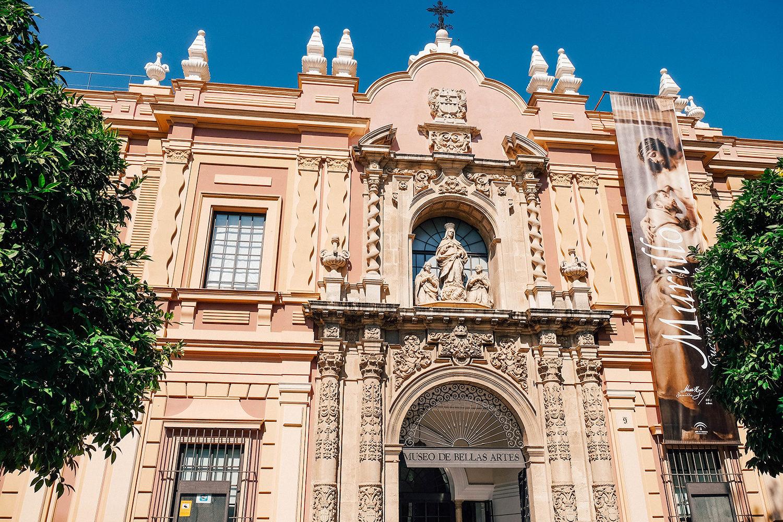 L'entrée du Musée des Beaux-Arts