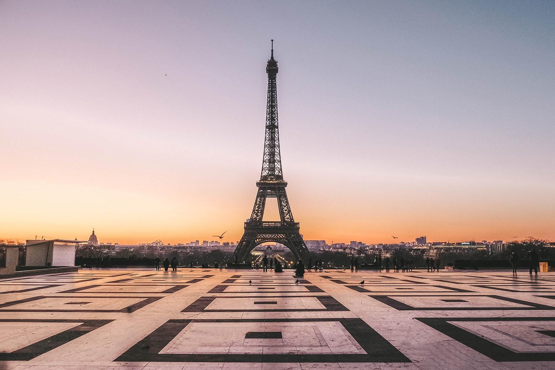 Lever de soleil sur la place du Trocadéro