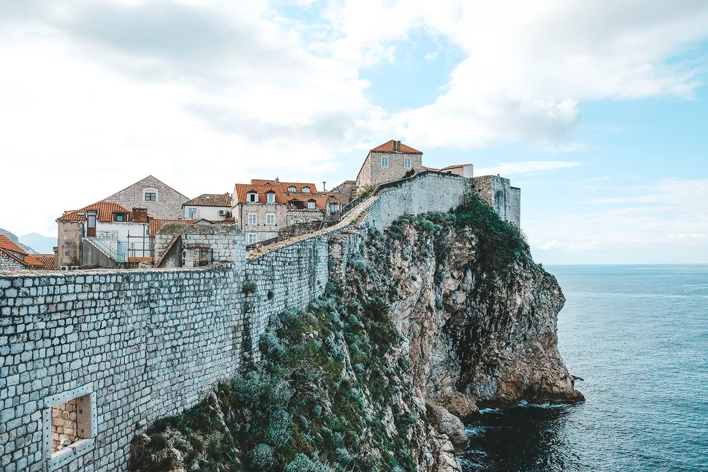 Vue des remparts de Dubrovnik depuis la mer