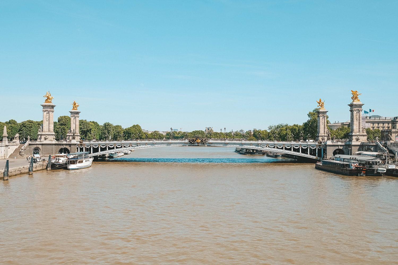 Vue sur le pont Alexandre III