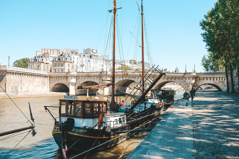 La vue du Pont Neuf depuis les quais de Seine