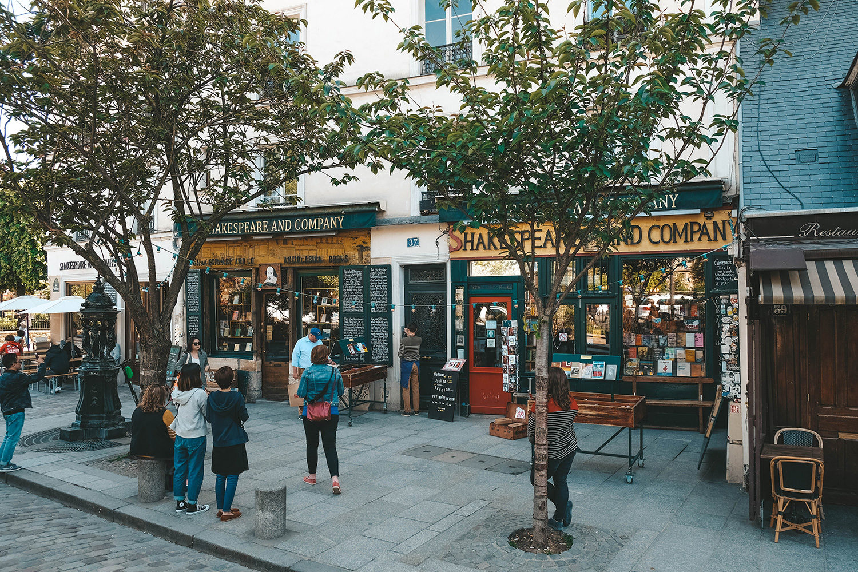 "La célèbre librairie ""Shakespeare and Company"""