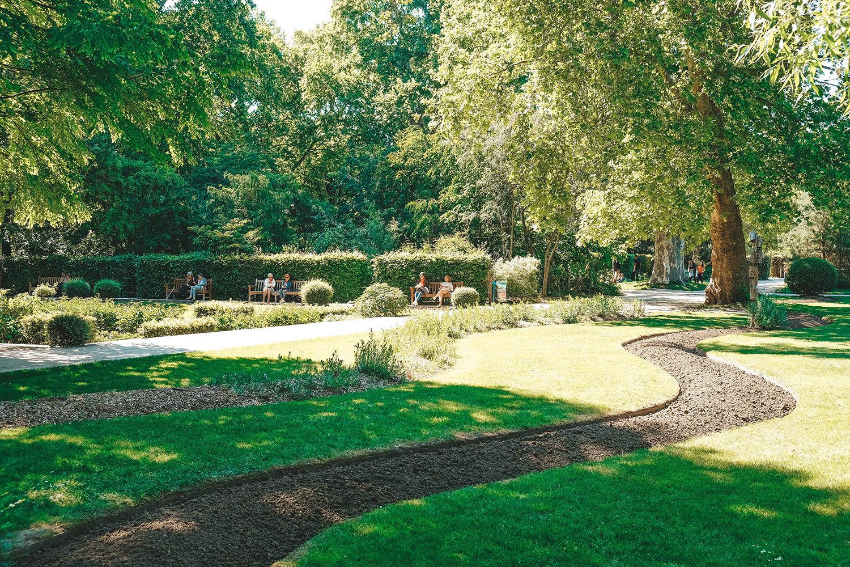 Le joli parc verdoyant de Bercy