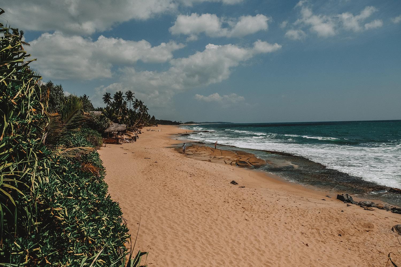 La grande et jolie plage de Tangalle