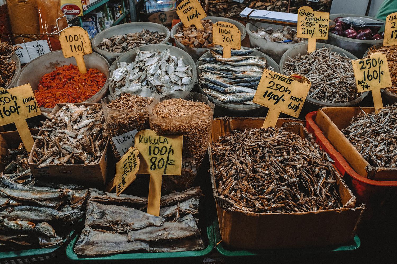 Stand de poissons séchés