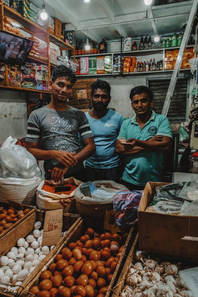 Vendeurs d'oeufs et d'épices