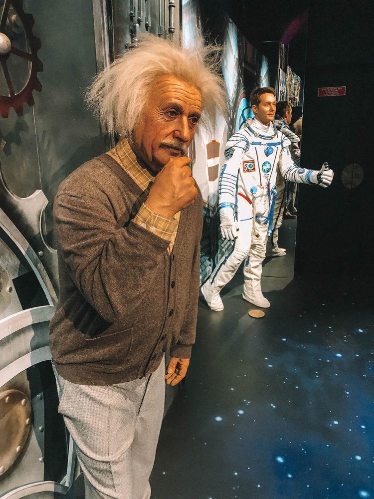 Albert Einstein et Thomas Pesquet
