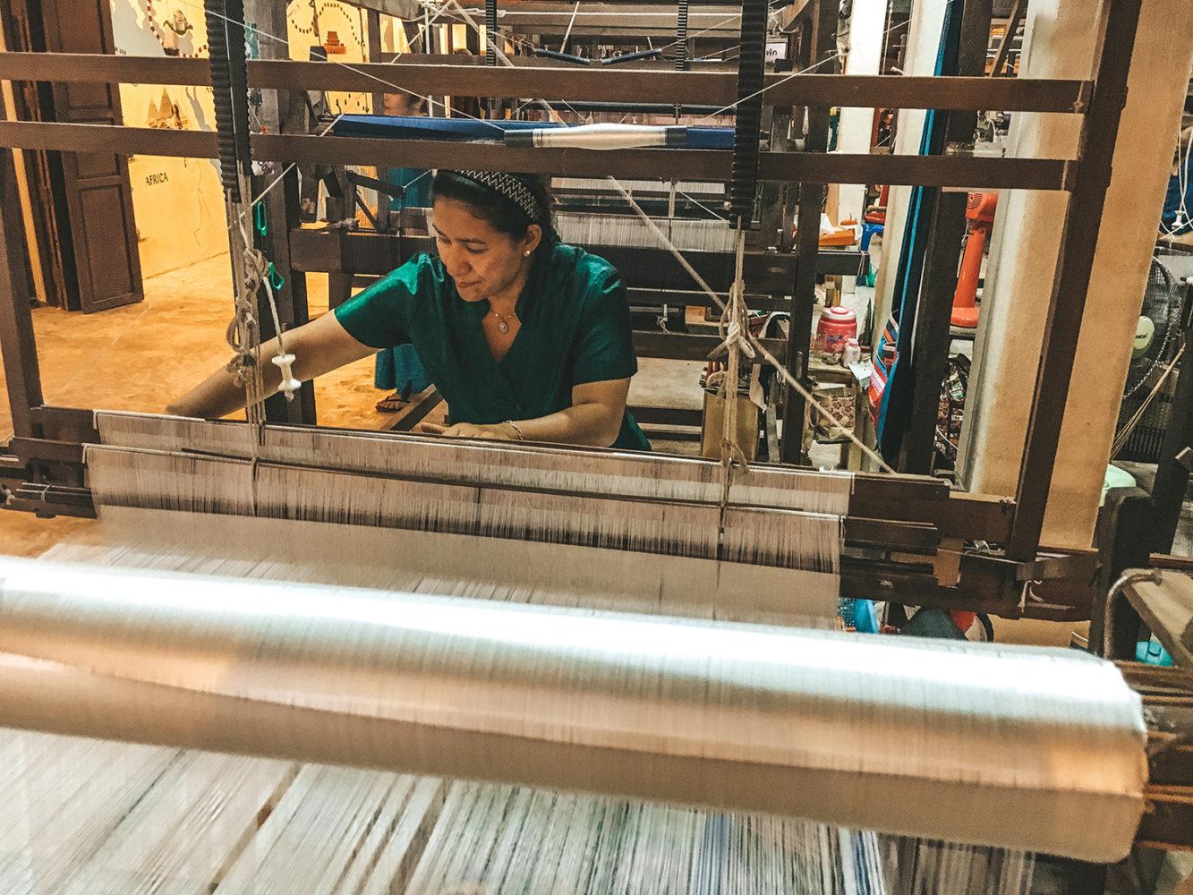 Le tissage de la soie