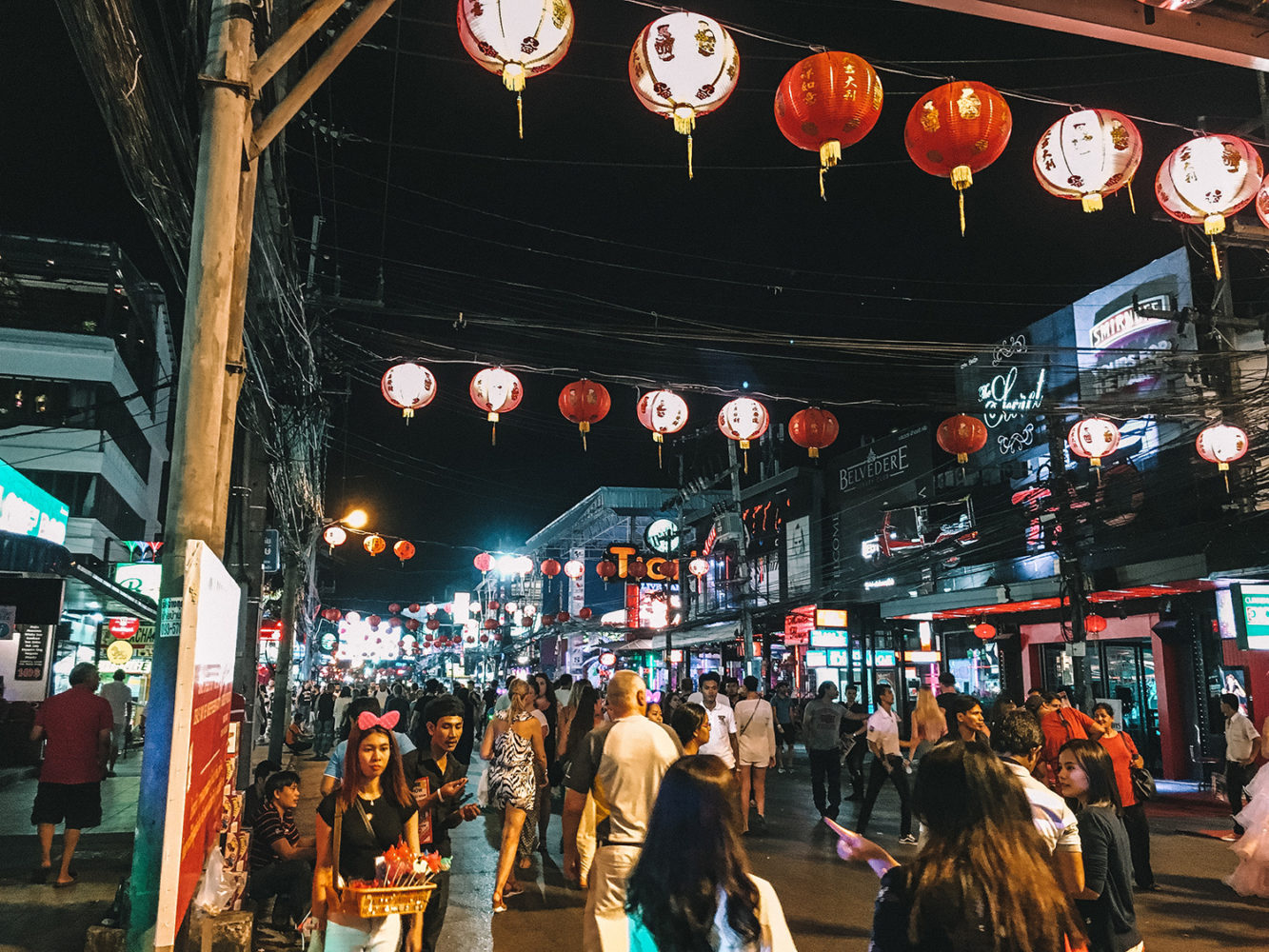 Rue principale de Patong Beach