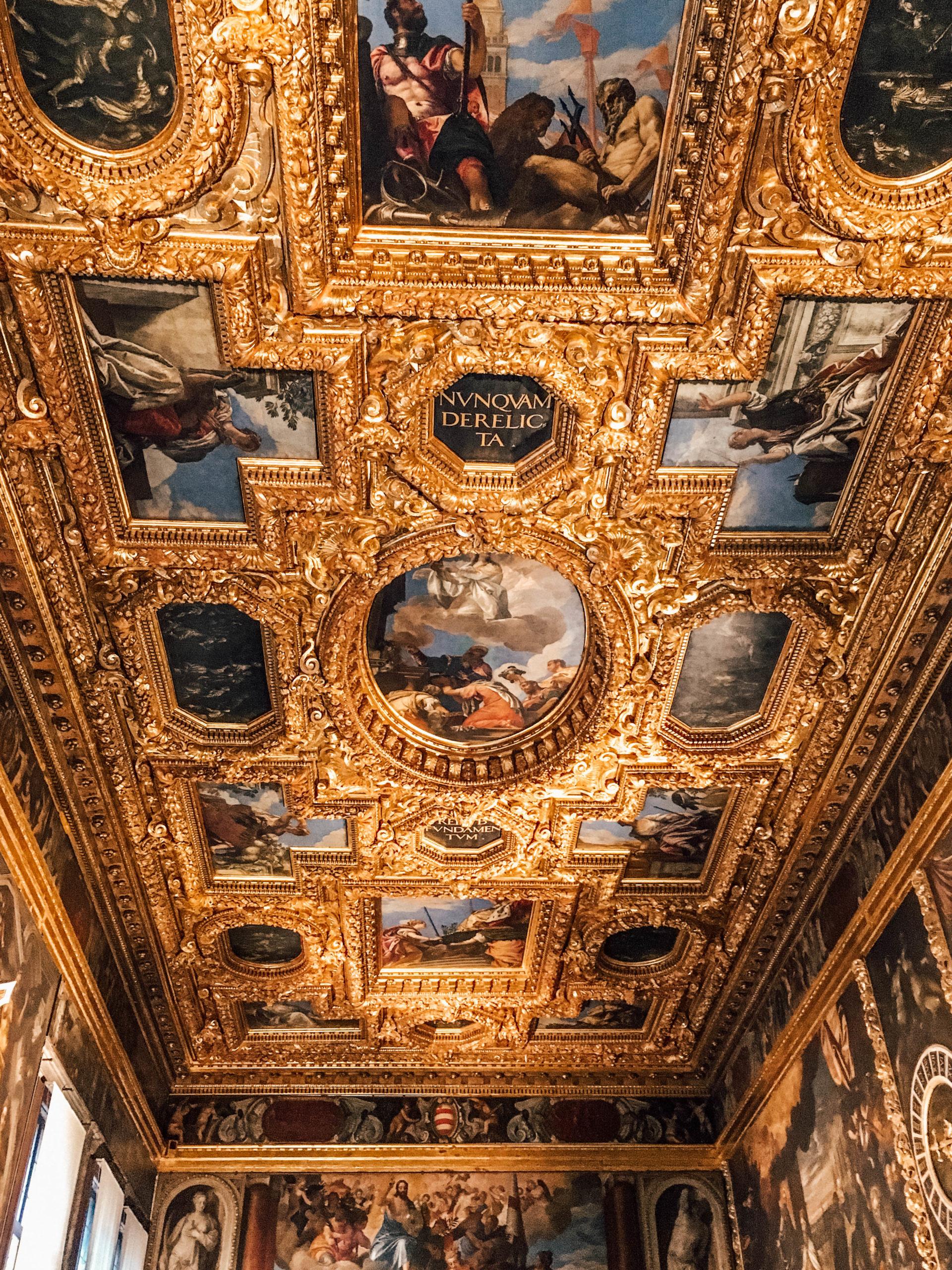 Les plafonds d'une beauté sans nom