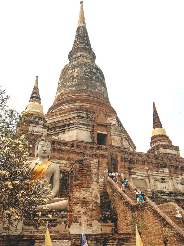Les grands escaliers du temple