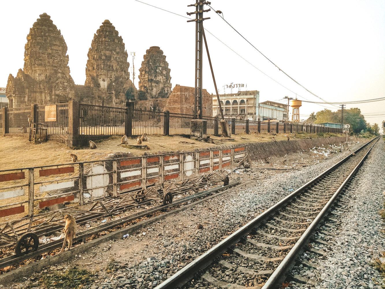 Arrivée à Lopburi, la ville des singes