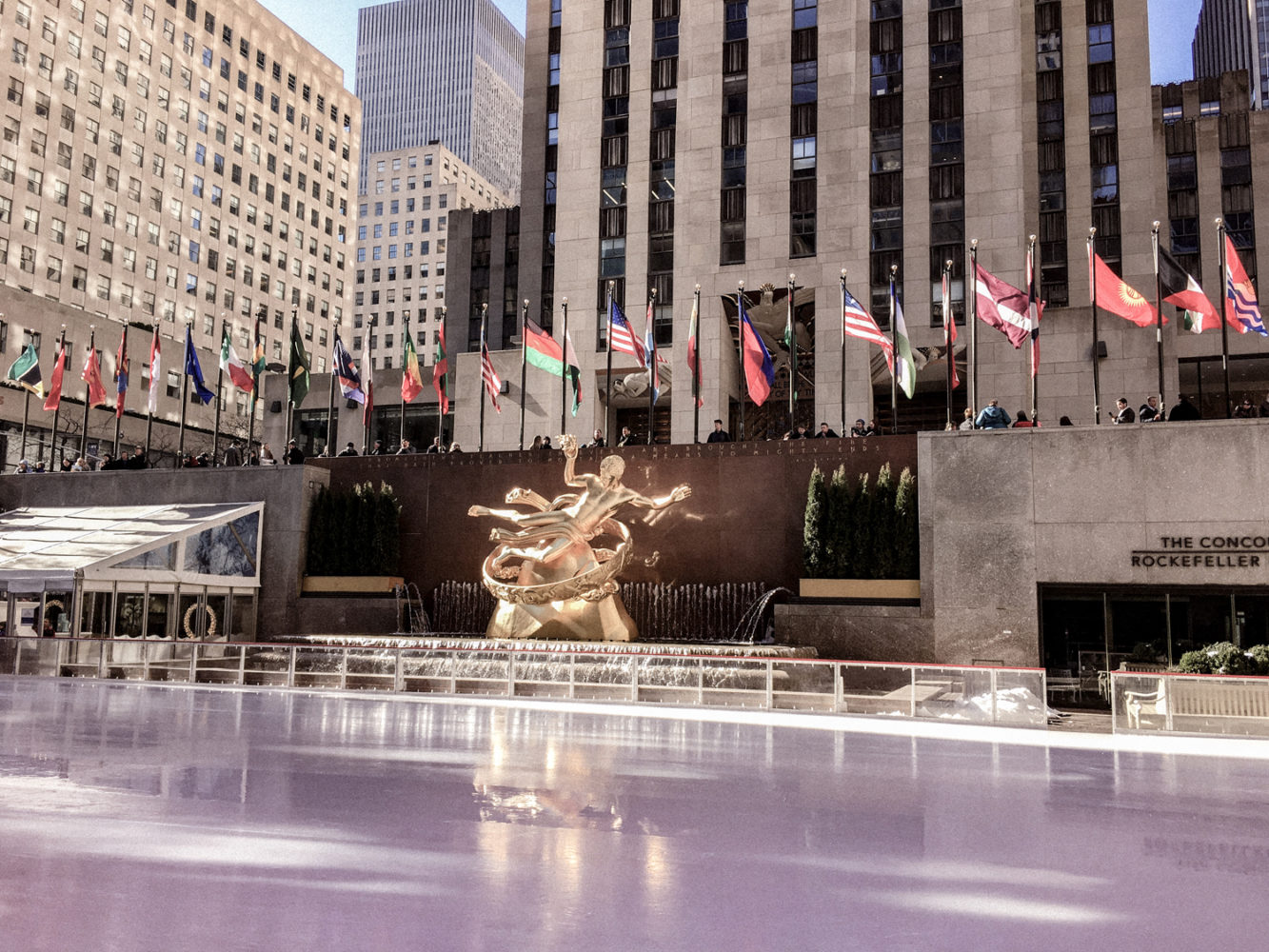 Statue de Prométhée sur la patinoire du Rockefeller Center