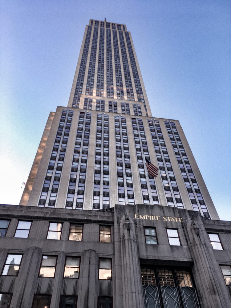 Au pied de l'Empire State Building