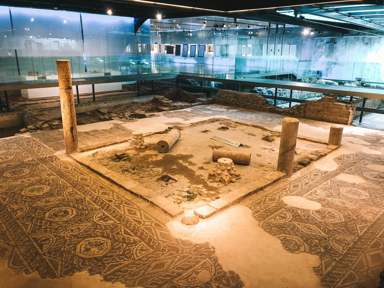 Différents sites de fouilles archéologiques