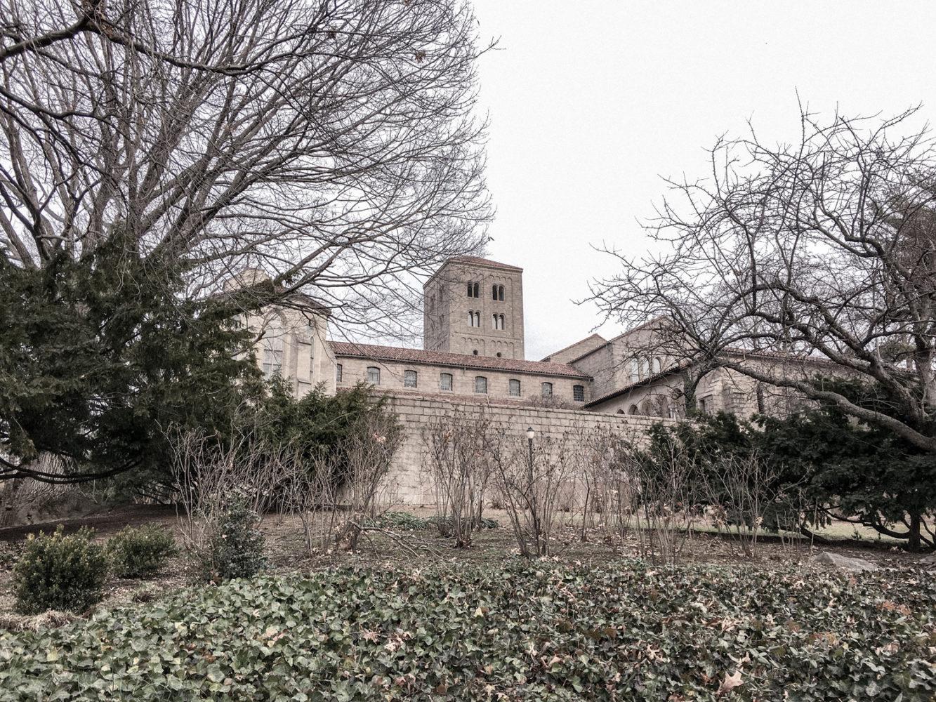 Début de la visite du monastère
