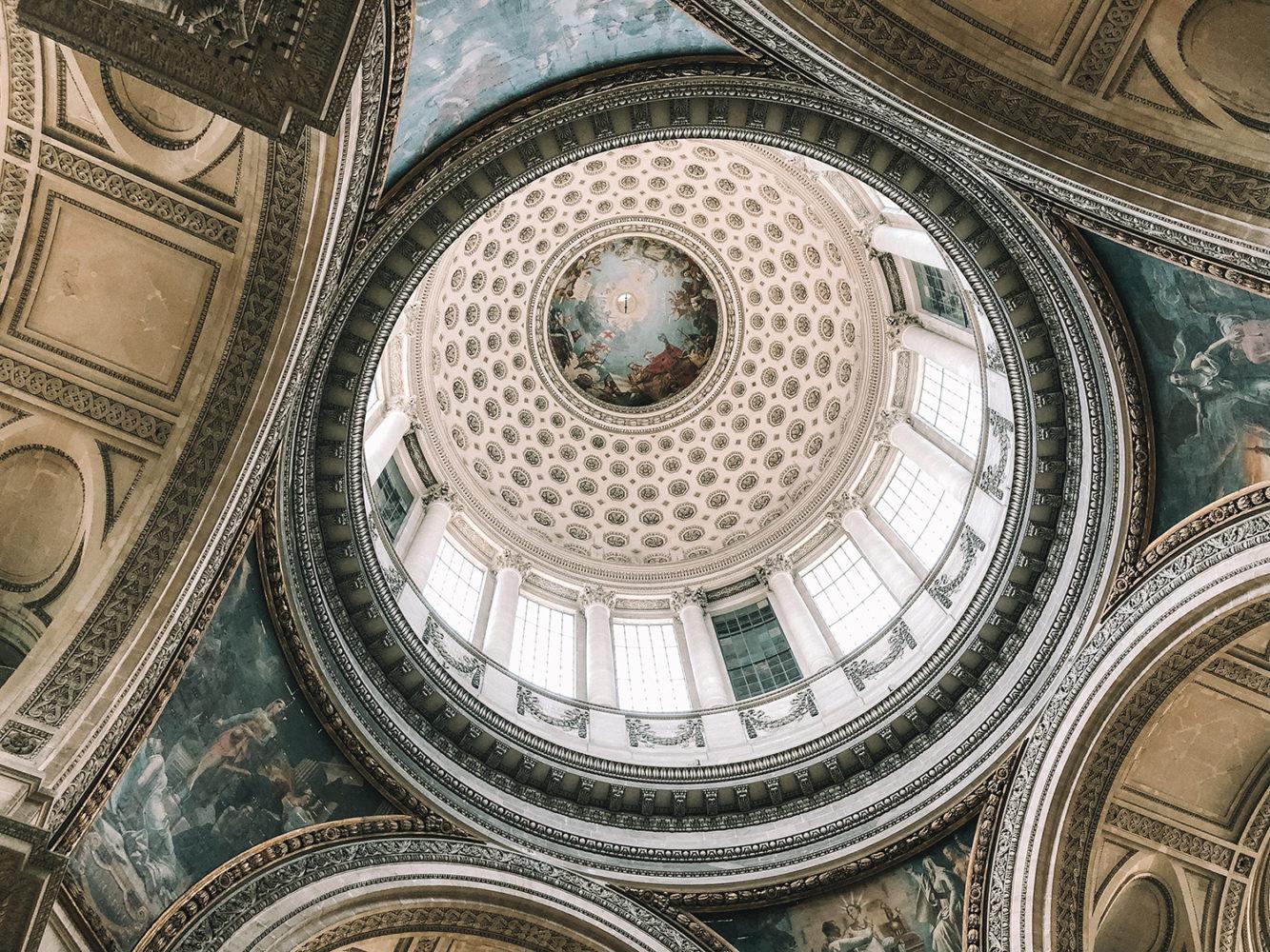 Le magnifique plafond du Panthéon