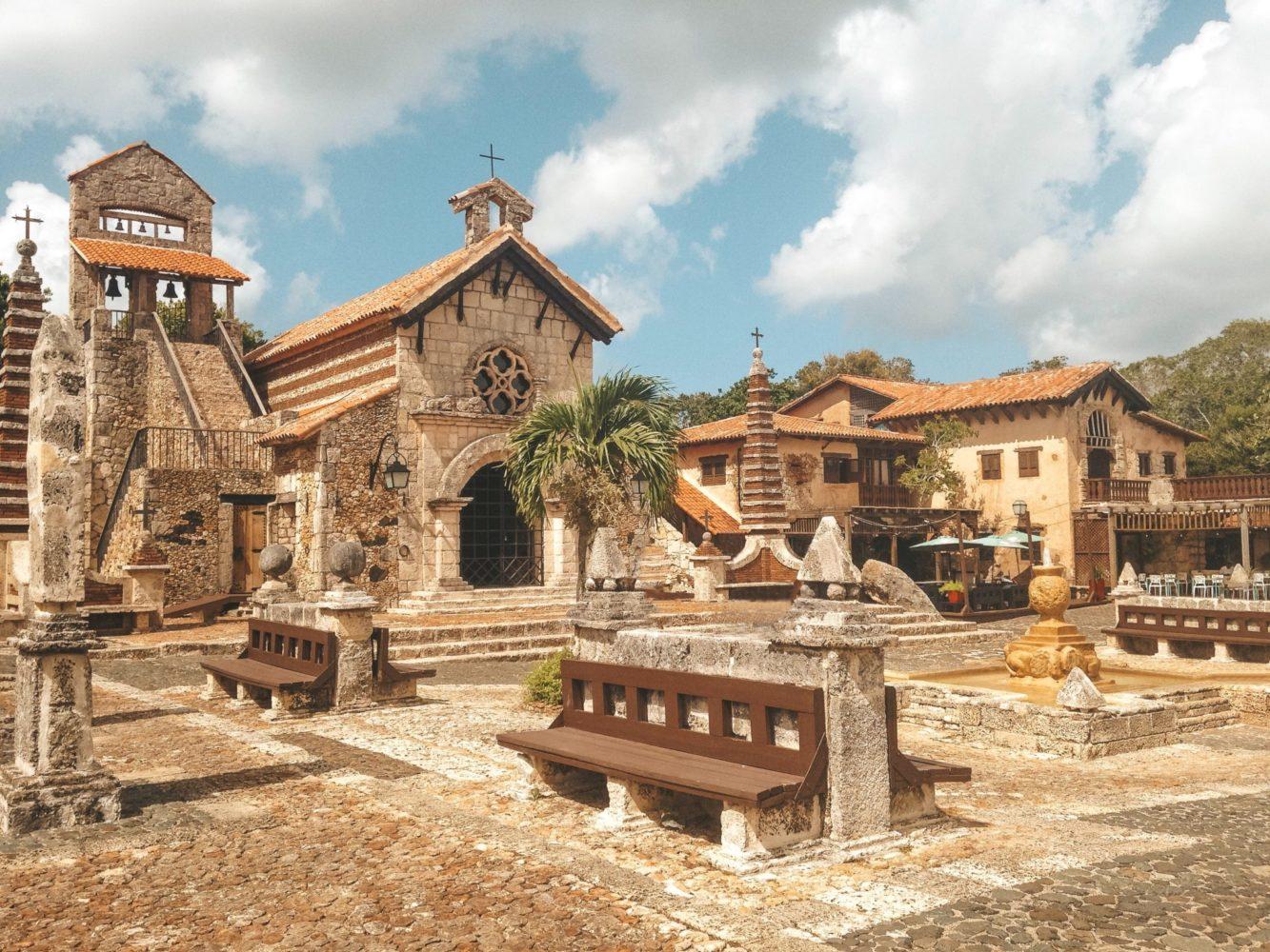 Un village créé par l'homme et absolument pas authentique…