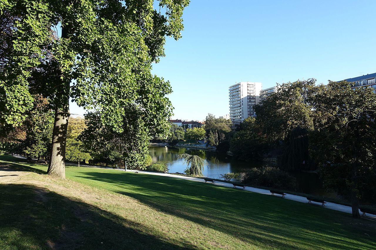 Vue sur le parc Montsouris de Paris