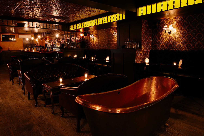 Intérieur du Bathtub Gin de New York