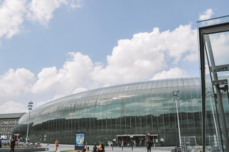 La gare de Strasbourg en forme de grosse bulle en verre