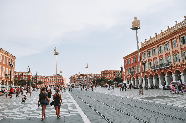 La place Masséna, l'une des plus jolies places de Nice